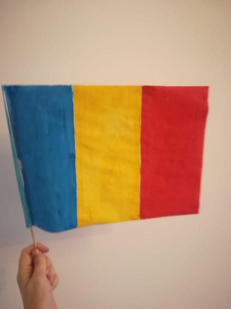 steagul Romaniei din hârtie
