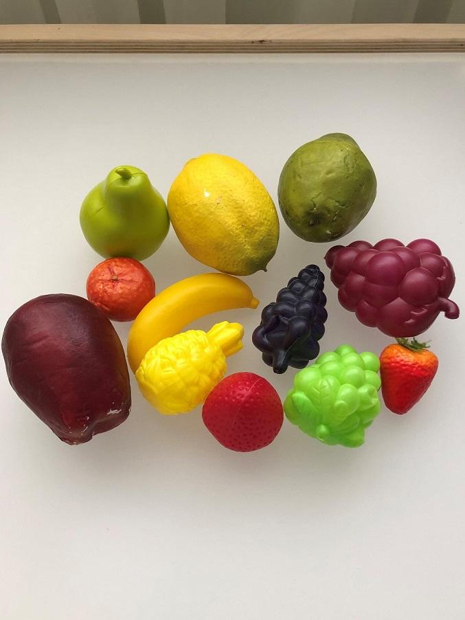 Cum învățăm altfel despre fructe. De încercat acasă sau la grădiniță