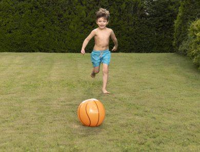 5 jocuri în curte pentru toată familia